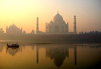 Un incredibile mosaico culturale, storico e artistico per una vita in...