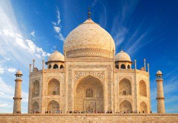Un caleidoscopio di paesaggi, culture, lingue e religioni - Un viaggio...