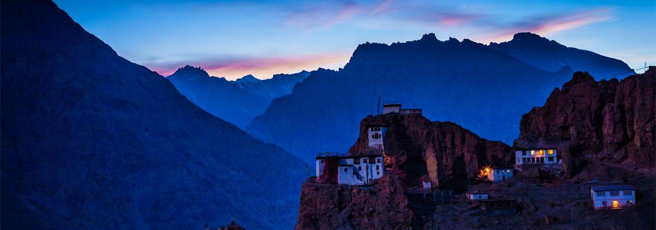 Viaggio alla scoperta della natura e delle tradizioni dell'Himalaya pi...